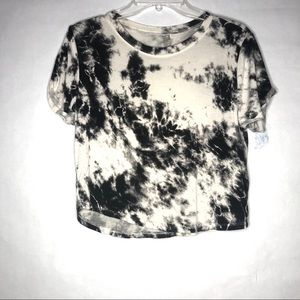 Nollie cropped T shirt Size small